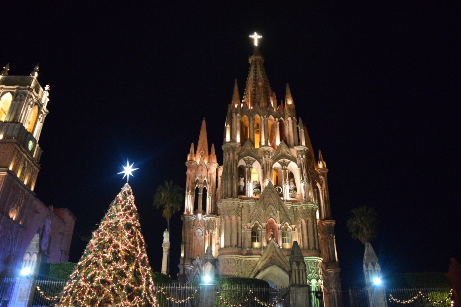 la parroquia church christmas tree lights night time san miguel de allende