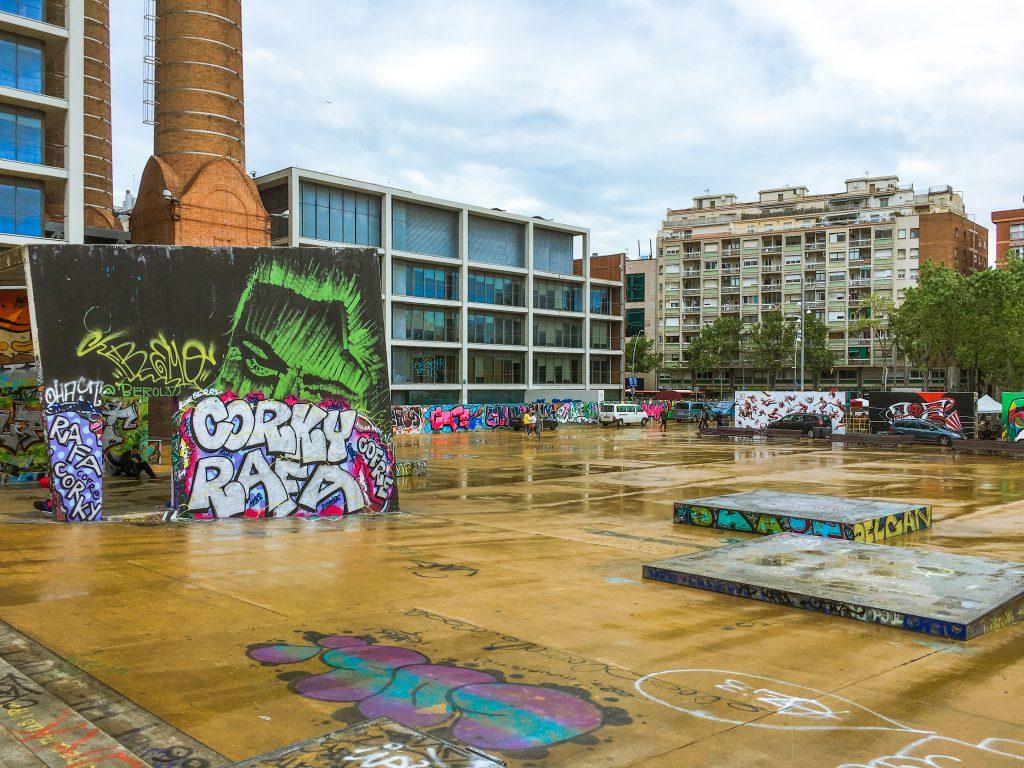 barcelona Parc de les Xemeneies skate park
