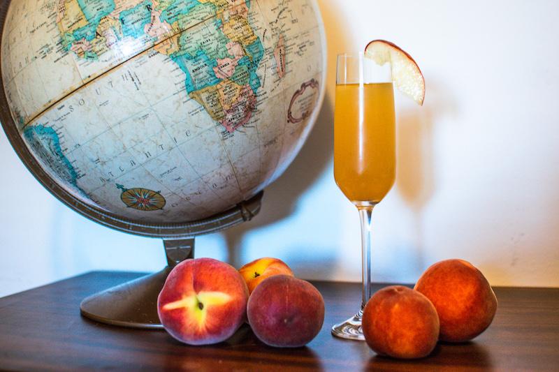 peach bellini cocktail recipe