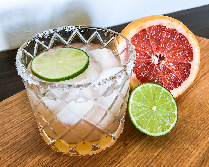 paloma cocktail with lime and grapefruit