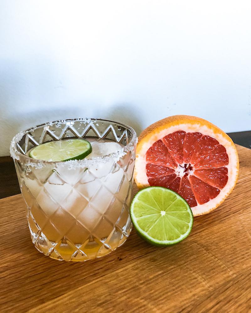 paloma drink with grapefruit